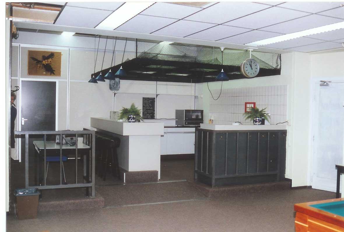 Keukenkast zelfbouw for Kleine amerikaanse keuken met bar